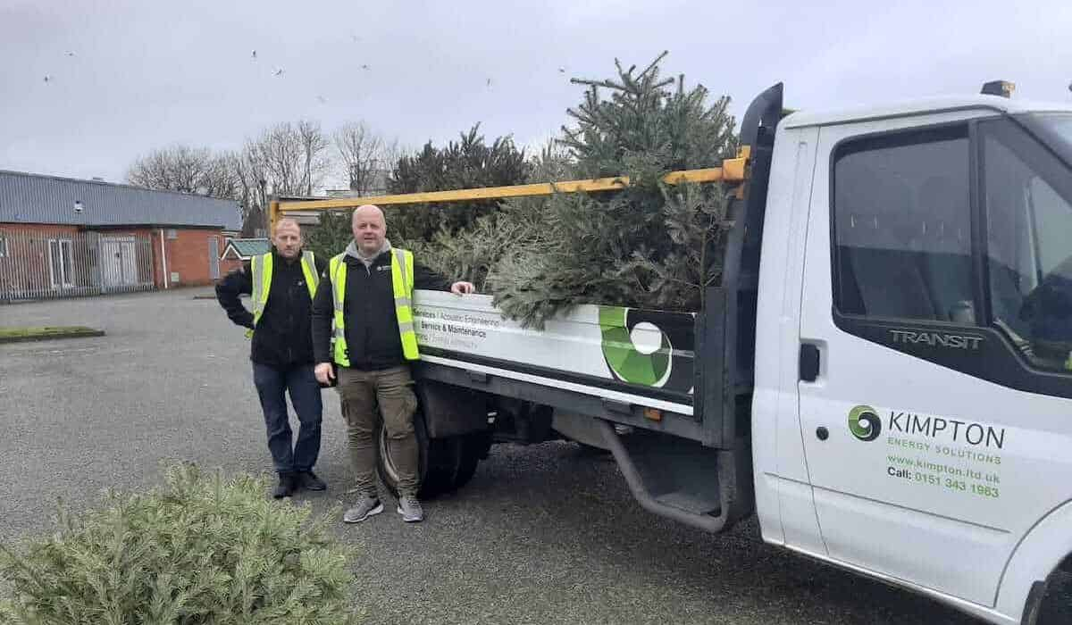 Scott Bennett and Steve Loughran of Kimpton collecting Christmas trees for Nightingale House Hospice